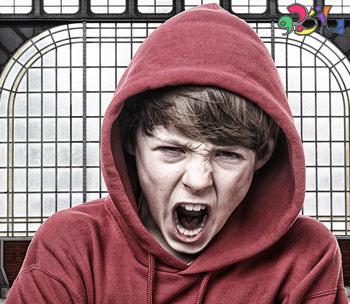 دلایل عصبانیت نوجوانان چیست